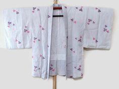 Vintage White Haori Kimono Jacket with by JagataraArtVintSup  https://www.etsy.com/listing/462739980/vintage-white-haori-kimono-jacket-with  #kimonooutfit #kimonocardigan #kimonofashion #haori #haorijacket #japankimono #springfashion #oriental #vintagekimono #vintagehaori #kimonojacket #haorijacket #kimono