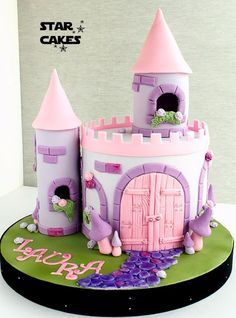 Fairy princess castle cake pink and purple maybe easy to make a version at home. Fairy Castle Cake, Castle Birthday Cakes, Birthday Cake Girls, Happy Birthday, Fondant Cakes, Cupcake Cakes, Bolo Rapunzel, Anniversaire Hello Kitty, Princess Castle