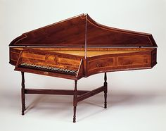 1753 British Bentside spinet at the Metropolitan Museum of Art, New York
