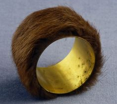 Meret Oppenheim, Bracelet, 1936, Fur and metal
