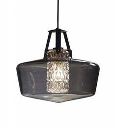 Svart taklampe av røyket glass i dansk design: Addicted to us fra Design by Us.