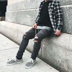 See this Instagram photo by @bestofstreetwear • 3,735 likes