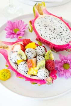 Mother's Day Breakfast Brunch Dragon Fruit Salad Bowl Standard Leaf Style and design College students commence by Mastering fundamental slicing procedures, Mothers Day Breakfast, Mothers Day Brunch, Fruit Recipes, Smoothie Recipes, Glace Fruit, Fruit Smoothies, Fruit Fruit, Fruit Trays, Fruit Cakes