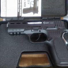 Kuzey S320 Hand Guns, Firearms, Pistols