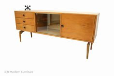 Grant Featherston sideboard buffet, Contour series, Original 1950s in silky oak, Manufactured by Roseberry Veneer Company Australia, 360 Modern Furniture