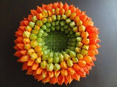 Always get stuck with what to do with these Art Floral, Floral Design, Summer Door Wreaths, Autumn Wreaths, Floral Centerpieces, Floral Arrangements, Fall Flowers, How To Make Wreaths, Geometric Shapes