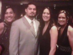WWE Superstar Roman Reigns (Joe Anoa'i) with three of his older sisters Vanessa Anoa'i, Summer Anoa'i, and Myritza Flowers Roman Reigns Wwe Champion, Wwe Superstar Roman Reigns, Wwe Roman Reigns, Roman Regins, New Roman, Roman Reigns Family, World Heavyweight Championship, Wwe World, Wwe Champions