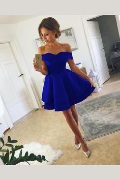 54d3d4359f 191 Best Royal Blue Prom Dresses images in 2019