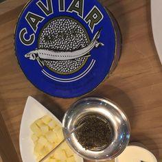 Para el día del Padre, regala a esa persona especial cualquiera de nuestras opciones de caviar Beluga, Golden Osetra, Osetra y Sevruga. Nuestros caviares vienen de Irán, Azerbaiyán o Kazajistán!, estamos con promociones especiales!    #caviar #caviarcolombia #bogota #bogotá #bogotacity #bogotaneando #osetra #osetracaviar #paladargourmet #paladargourmetmarket #bogotaeats #food #bogotafoodie #bogotafood #bogotastyle #bogotaniando