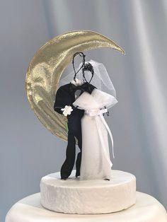 Beautiful Wedding Cakes, Elegant Wedding, Reception Ideas, Reception Decorations, Midnight Wedding, Silver Cake, Gold Weddings, Star Cakes, Celestial Wedding