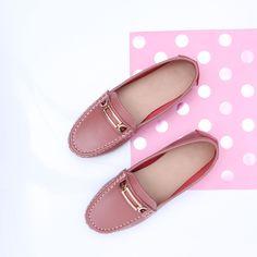 Malaga - piele naturala 👟👟👟 Malaga, Mary Janes, Flats, Shoes, Fashion, Loafers & Slip Ons, Moda, Zapatos, Shoes Outlet