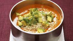 Paprikacremesuppe mit Reis und Avocado