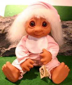 Troll Pictures - www. Childhood Characters, Plastic Doll, Troll Dolls, Cute Dolls, Retro, Types Of Fashion Styles, Gnomes, Elves, Vintage Toys