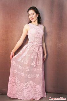 Здравствуйте. Начинаем интересную работу по филейке.  Опрос в Стране Мам: Давайте свяжем филейное длинное платье с розами Свяжем филейное платье? В опросе приняли участие 463 пользователя.