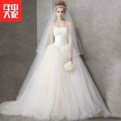 2017 새로운 도착 워드 어깨를 후행 결혼 한 새 신부의 웨딩 드레스는 얇은 슬림 브라 치 간단한 여성이었다