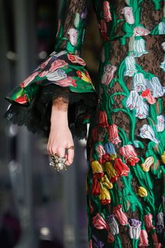 Gucci Autumn/Winter 2017 Ready-to-wear Details | British Vogue