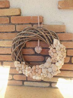 Felt Flowers, Fabric Flowers, Door Wreaths, Grapevine Wreath, Rag Garland, Burlap Projects, Fabric Wreath, Decor Crafts, Home Decor
