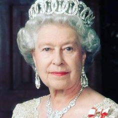 Queen Elizabeth II wearing the Grand Duchess Vladimir Tiara. Very nice picture for Queen Elizabeth II. Facts About Queen Elizabeth, Queen Elizabeth Ii, Royal Crowns, Royal Tiaras, Kate Middleton, Reine Victoria, Queen Victoria, Royal Queen, Queen Mary