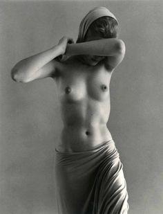 Edward Weston, Nude (Charis Wilson) on ArtStack #edward-weston #art