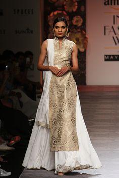 Siddartha Tytler at Amazon India Fashion Week Spring/Summer 2016 |