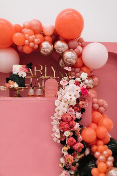 Wedding cake and bar display with a balloon and floral install in shades of pink. Photo: Samantha Simone Balloon Garland, Balloon Decorations, Birthday Decorations, Coral Wedding Colors, Black Wedding Cakes, Party Decoration, Unique Weddings, Wedding Unique, Pink Parties
