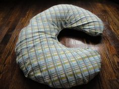 How To Make A Cover For Your Boppy Pillow | | Blissfully DomesticBlissfully Domestic & The Cheater\u0027s Guide on How to Make a Boppy Pillow No Sew ... pillowsntoast.com
