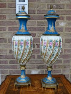 Gorgeous pair of Sevres porcelain vases from 1880 in good condition. Discover more beautiful items from Johan Doomen's collection, a professional Belgian antique dealer, on Transferantique. Porcelain Vase, Antiques, Vases, Beautiful, Things To Sell, Home Decor, Collection, Antiquities, Antique