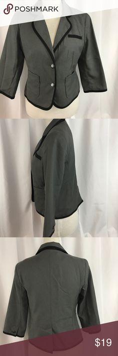 NWT Old Navy szM gray 3/4 sleeve cropped blazer... NWT Old Navy szM gray 3/4 sleeve cropped blazer... Old Navy Jackets & Coats Blazers