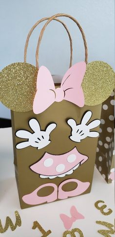 Set of 10 Pink and Gold Minnie Mouse Birthday Party Favors/ Gifts/ Treat Bags/ Supplies/ Decoration/ Goodies/ Candy - birthday - Gift Ideas Baby's First Birthday Gifts, Minnie Mouse First Birthday, Minnie Mouse Pink, Mickey Birthday, Minnie Mouse Party, Birthday Crafts, Mouse Parties, Birthday Party Favors, First Birthdays