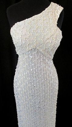 Glamorous 1960's Lilli Diamond White sequined off by wearitagain