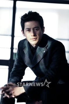 Actor Go Soo becomes a father