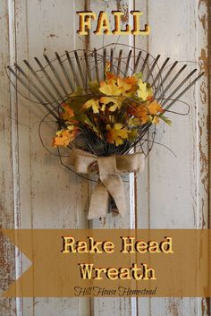 24 Fall Door Decorations Repurpose an old rake head as a rustic substitution for a traditional fall wreath by adding a burlap sack bow and faux leaves. Fall Crafts, Holiday Crafts, Diy Crafts, Rustic Crafts, Wreath Crafts, Diy Wreath, Wreath Burlap, Fall Door Decorations, Fall Projects