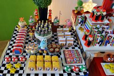 Treats at a Super Mario Bros Party #supermariobros #party