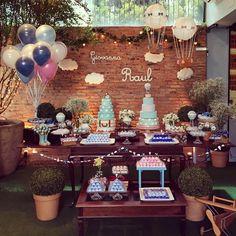 Linda festa para um casal de gêmeos decorada por @navilafestas 💙💗 Inspiração mega fofura cheia de detalhes encantadores 💗 #decorefesta…