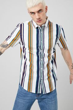 Freshen Up Your Wardrobe with a Touch of Exclusive Styles. Style Outfits, Trendy Outfits, Fashion Outfits, Outfits With Striped Shirts, Casual Shirts, Men's Shirts, Hawaiian Outfit Men, Look Vintage, Urban Fashion