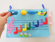 Montessori Music Felt Board, Rainbow Musical Notes, Music Quiet Book, Treble Clef, Felt Board Story, Felt Music Board Learning Toys, Felt Game, Educational Games Start teaching music with a little game and a music felt board. I made a felt board with detachable notes, with a treble