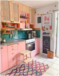 Kitchen Cabinet Colors, Kitchen Colors, Kitchen Cabinets, Retro Kitchen Decor, Orange Kitchen, Kitchen Rustic, Upper Cabinets, Kitchen Paint, Kitchen Island