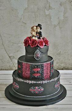 Gothic wedding cake - Yesterday I also delivered a gothic wedding cake at a gothic wedding. It is filled with strawberry cream and strawberry jam. When To Have Wedding Cake Delivered Skull Wedding Cakes, Gothic Wedding Cake, Round Wedding Cakes, Beautiful Wedding Cakes, Wedding Cake Toppers, Beautiful Cakes, Amazing Cakes, Skull Cakes, Steampunk Wedding Cake