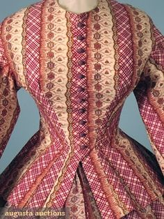 Printed wool challis day dress, the print almost reminds me more of a wrapper! Clothing And Textile, Antique Clothing, Women's Clothing, Historical Costume, Historical Clothing, Historical Dress, Victorian Fashion, Vintage Fashion, Victorian Era