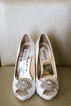 chic wedding shoes; photo: Jasmine Lee Photography