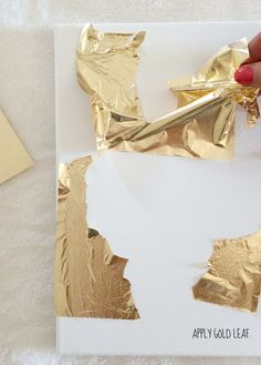 How To Make DIY Gold Leaf Abstract Art (LiveLoveDIY) Hey ya'll! I'm taking a break from renovation updates for a week or two. I can barely stand the wait, but I think it's best to let everything get finished and then share e Art Diy, Diy Wall Art, Art Feuille D'or, Cuadros Diy, Gold Leaf Art, Painting With Gold Leaf, Painted Leaves, Gold Diy, Gold Gold