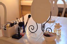 Love this little makeup setup