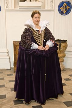 Tailor's - Catany, Dress of Marie de Medici, part 2. Clock through for more pictures, including the under layers.