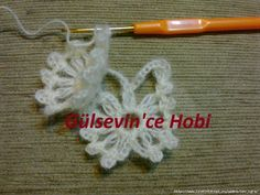 crochelinhasagulhas: Xale em crochê Crochet Necklace, Shawl, How To Make Crafts, Made By Hands, Crochet Shawl, Dots, Patterns