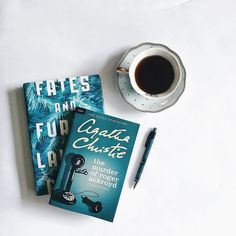 "Gefällt 1,073 Mal, 11 Kommentare - Eunice M (@nerdytalksbookblog) auf Instagram: """"When a reader falls in love with a book, it leaves its essence inside him, like radioactive…"""