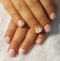 If your child wants to paint their nails, find adorable designs for them! We haved collected 25 cute nails for kids to lend you some inspiration! Unicorn Nails Designs, Unicorn Nail Art, Little Girl Nails, Girls Nails, Baby Girl Nails, Trendy Nails, Cute Nails, My Nails, Girls Nail Designs