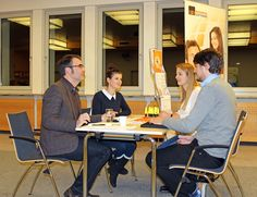 Speed Dating ist ein Karriere-Booster Steyr, Speed Dating, Conference Room, Desk, Not Interested, Getting To Know, Economics, Career, Desktop