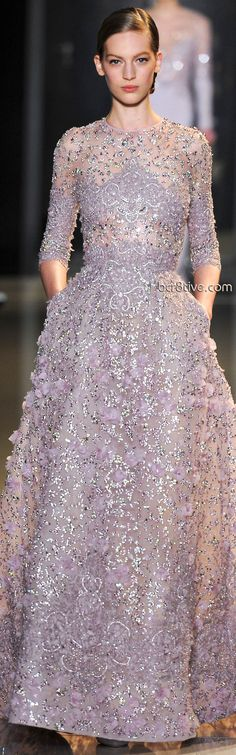 Elie Saab Spring Summer 2013 Haute Couture--with lining on bodice and sleeves Elie Saab Spring, Beautiful Gowns, Beautiful Outfits, Elegant Dresses, Pretty Dresses, Costura Fashion, Elie Saab Couture, Dresses Short, Prom Dresses