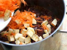 Fríjoles con Pezuña - AntojandoAndo Colombian Food, Colombian Recipes, Frijoles, Pot Roast, Ethnic Recipes, Alice, Vestidos, Cooking Recipes, Dishes