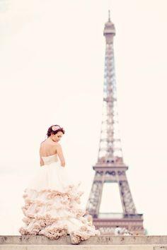 Photo Session on Paris Honeymoon, bride looks stunning in a romana ghita urmanczy wedding dress and shoot captured by EmmPhotography Wedding Pics, Wedding Styles, Dream Wedding, Wedding Dresses, Wedding Ideas, Wedding Photoshoot, Wedding Things, Wedding Hair, Wedding Blog